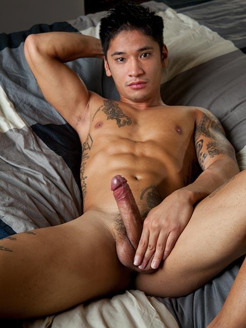 naked-filipino-bigdicks